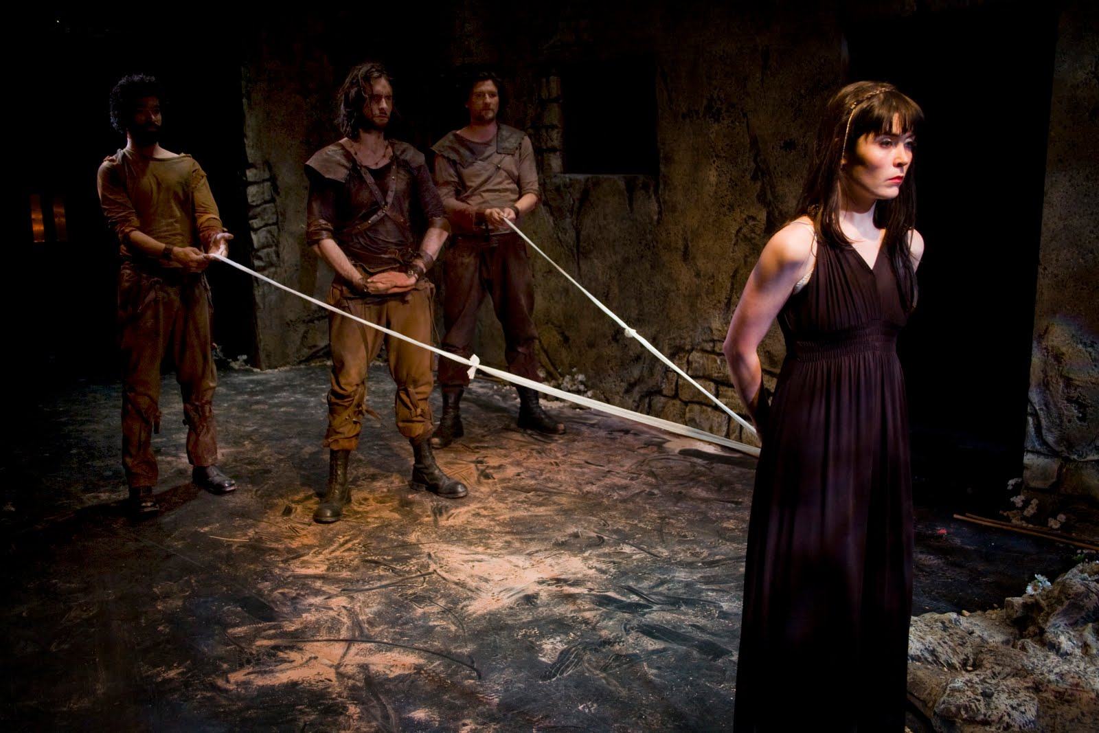 The strengths and weaknesses of creon and antigone
